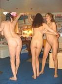 Lesbian_homeparty