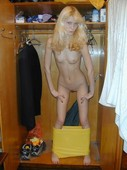 Pretty_blonde_in_the_morning